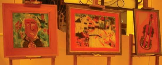 Culoare si vitalitate la expozitia de pictura pe sticla gazduita de Grand Hotel Traian