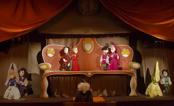 """Teatru de papusi: """"Cenusareasa"""" teatrul luceafarul"""