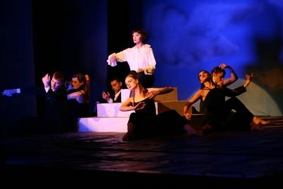 """Spectacolul de teatru-dans """"Kabaret – Nostalgie in doua parti"""""""