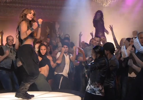 jennifer-lopez-on-the-floor
