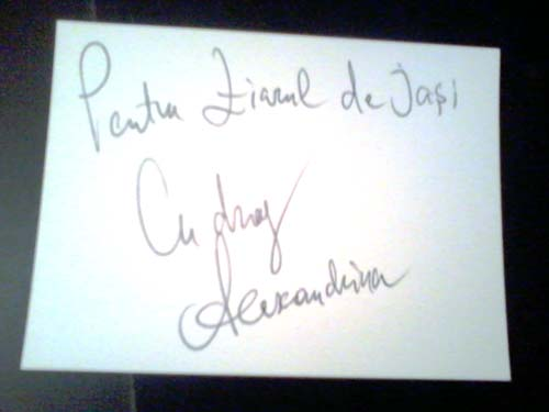 Alexandrina Hristov la Iasi - autograf Ziarul de Iasi