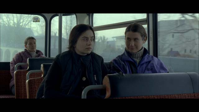Cosmina Stratan si Cristina Flutur in ''Dupa dealuri''