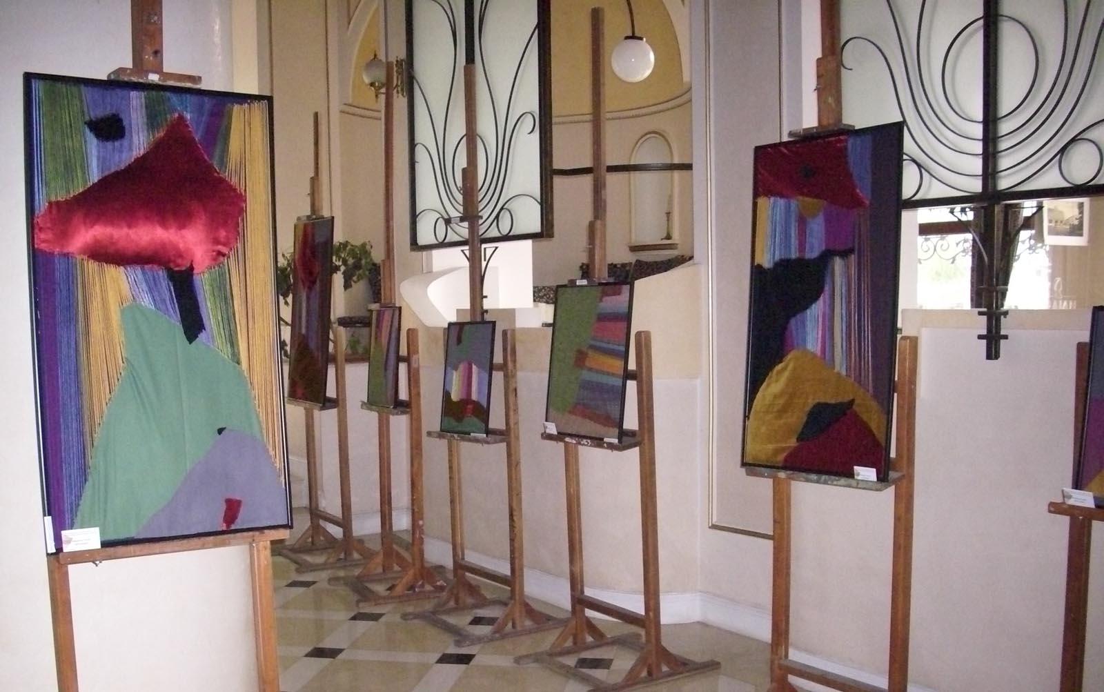 """Expozitie de arta textila la Galeriile """"Grand Hotel Traian"""""""