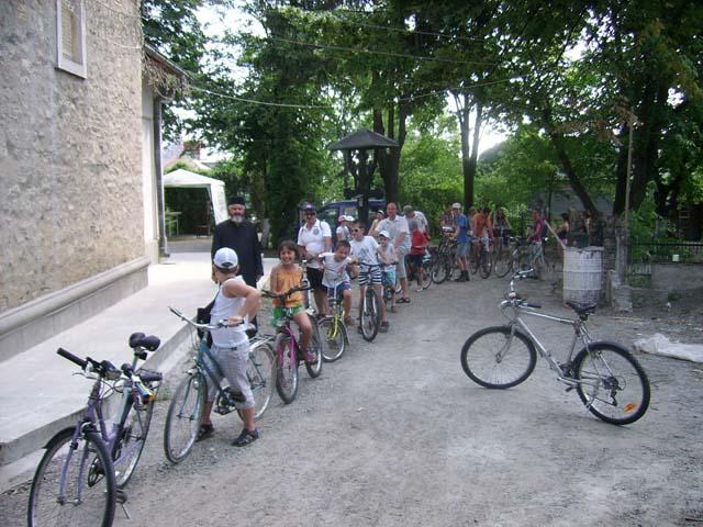 Pelerinaj pe bicicleta: Biserica Toma Cozma - Manastirea Vladiceni