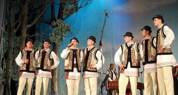 """Festivalul Folcloric """"Trandafir de la Moldova""""(a XLIV-a editie)/Sarbatorile Iasului 2012"""