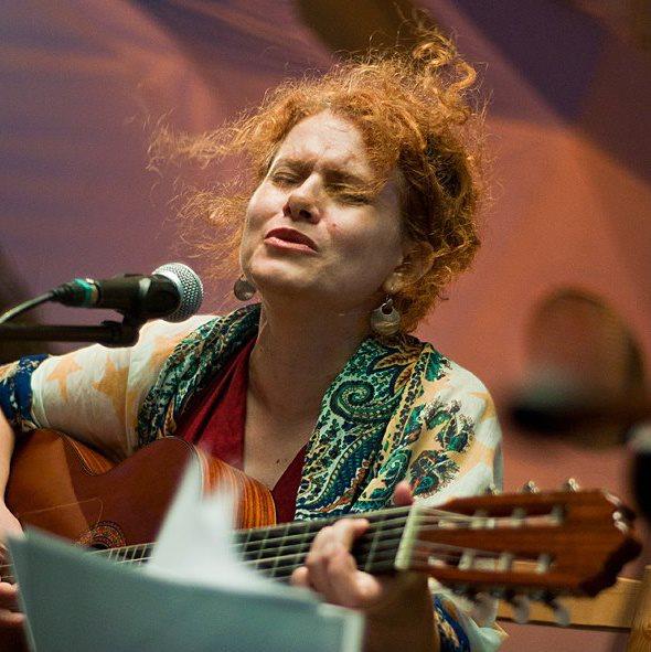 Maria Raducanu vine la Cafeneaua Veche, Iasi/ 18 octombrie afis