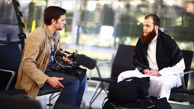 """Fratele meu, islamistul"" (2011, regia: Robb Leech, 60 min.)"