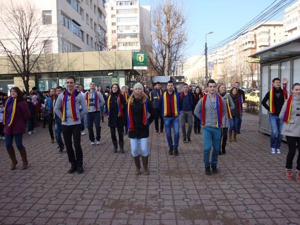 FLASH MOB DE ZIUA NATIONALA A UNIRII PRINCIPATELOR ROMANE