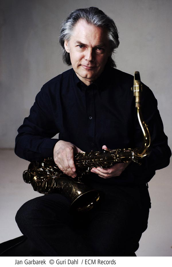 New2006_Jan Garbarek_seating_with_horn