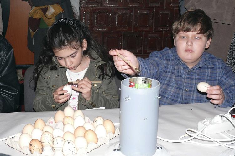 Curs gratuit de încondeiat ouă/ Biserica Toma Cozma Iasi
