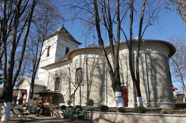 Program religios, acţiuni umanitare şi culturale în Postul Mare organizate de Biserica Toma Cozma din Iaşi