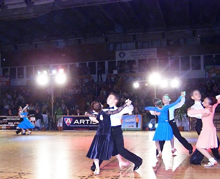 Ieşenii au obţinut 10 medalii de Aur la Campionatul Naţional de Dans Sportiv/ Poza Iasi Cupa Reflex