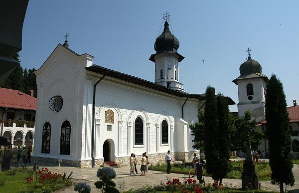 deschidere-muzeu-manastirea-agapia-neamt-muzeu-vivant-agapia-foto
