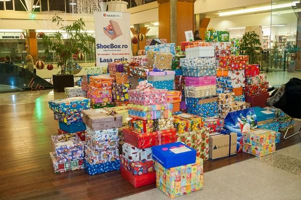 iulius-mall-iasi-cadouri-copii-shoebox-foto-2013