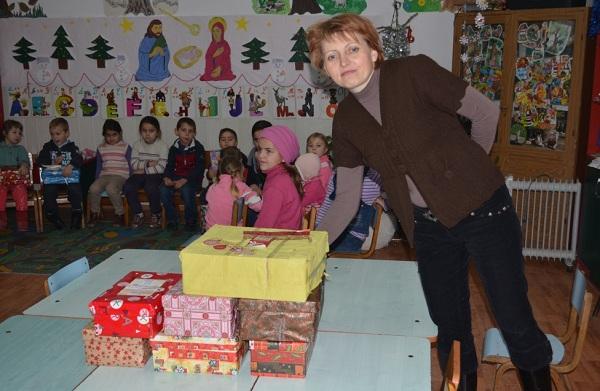 iulius-mall-iasi-cadouri-copii-shoebox-foto