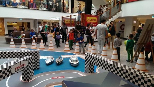 masini-teleghidate-iulius-mall-foto-2014