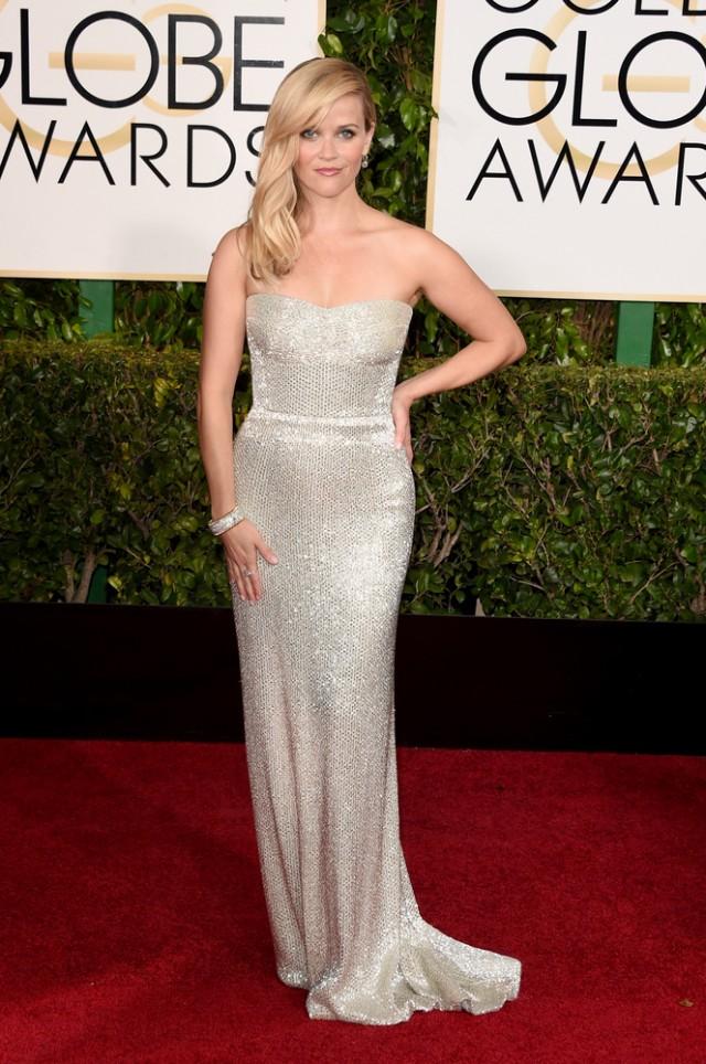 Witherspoon a ales de multe ori rochii dragute, dar aceasta rochie sofisticata si eleganta ne arata o alta fata a starului. Ne place aceasta transformare de stil si apreciem ca si-a descoperit atat culoare potrivita, cat si silueta.