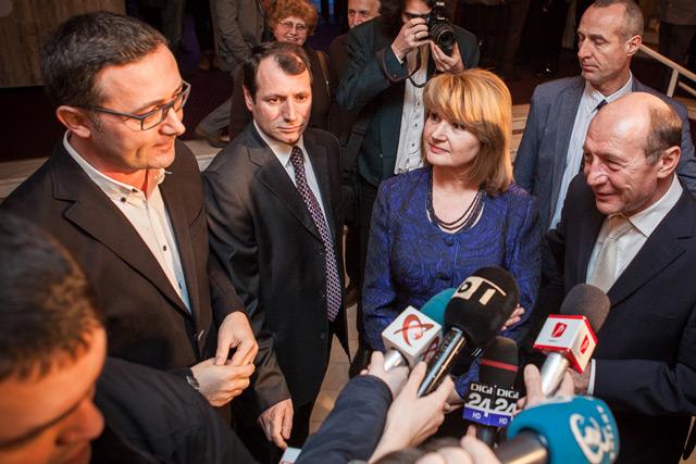 Tudor Giurgiu Maria Basescu Traian Basescu_De_ce_eu-Premiera-Palatul_Copiilor-foto Adi Marineci