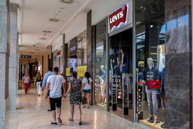 Levi's-Palas-Mall-01