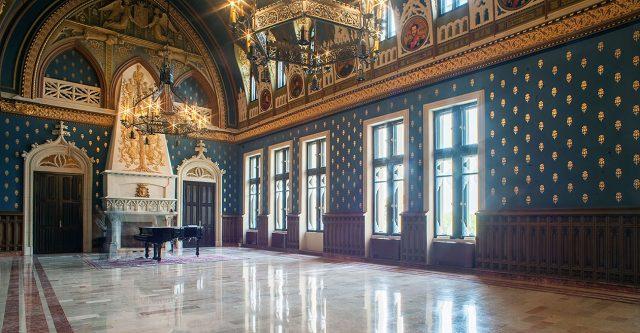 sala voievozilor-palatul culturii