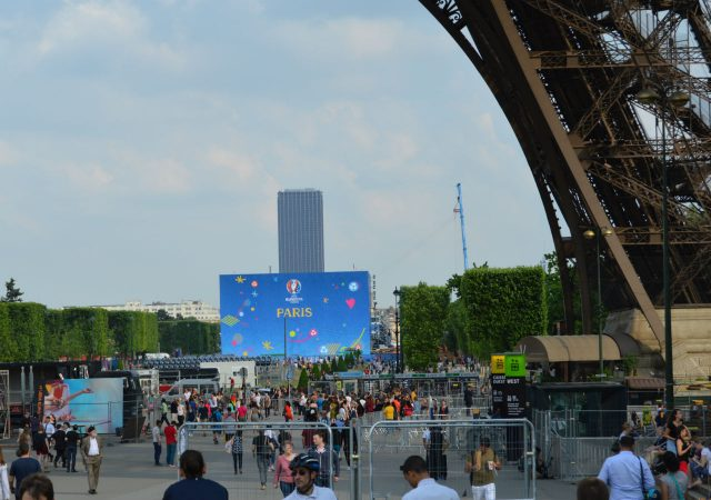 fanzone romania paris