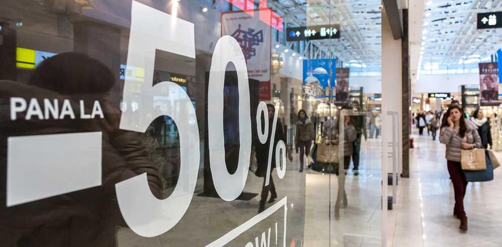 Sarbatoreste cumparaturile cu pana la 70% reducere la Palas Mall